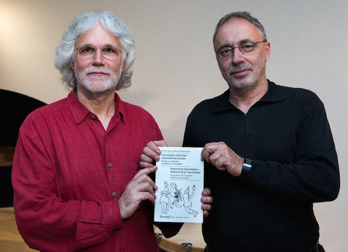 Buchpraesentation Matthias Schwabe (li) udn Reinhard Gagel (re)